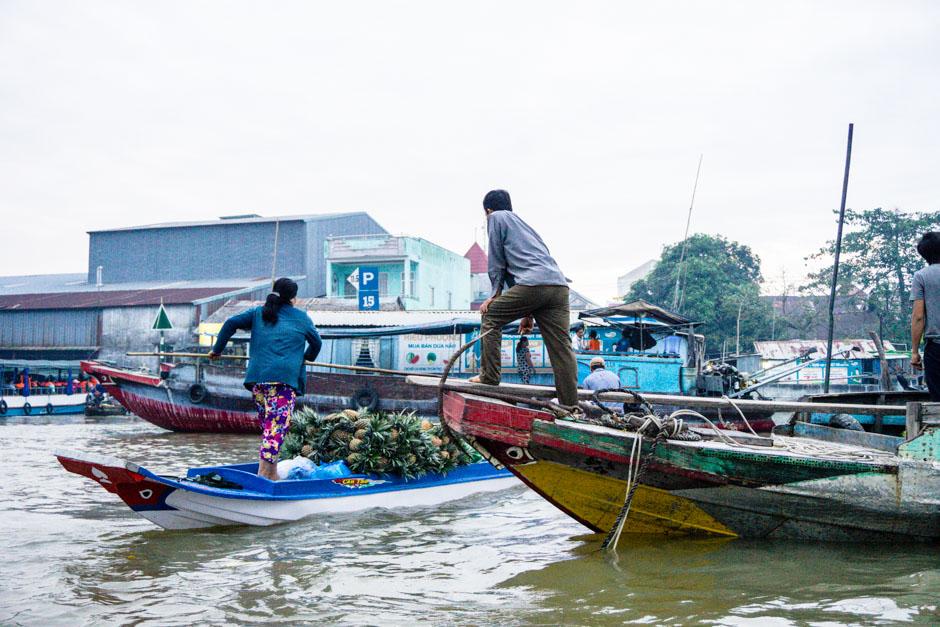 Schwimmende Märkte Boote