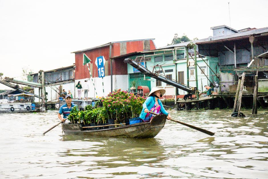 Schwimmende Märkte Blumenboot