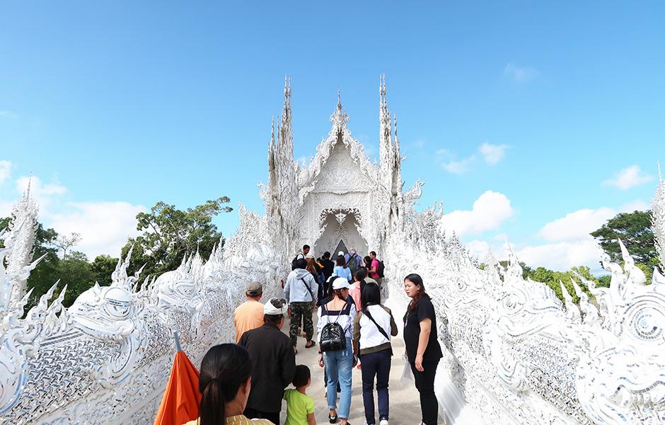 Weißer Tempel von vorne