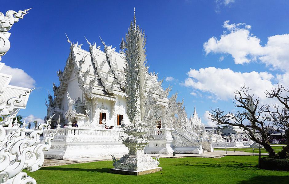 Weißer Tempel von der Seite
