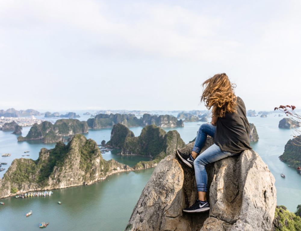 Der Blick über die Halong Bay ist die beste Aussicht Vietnams