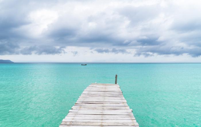 Der Steg auf Koh Rong mit dem türkisblauen Meer