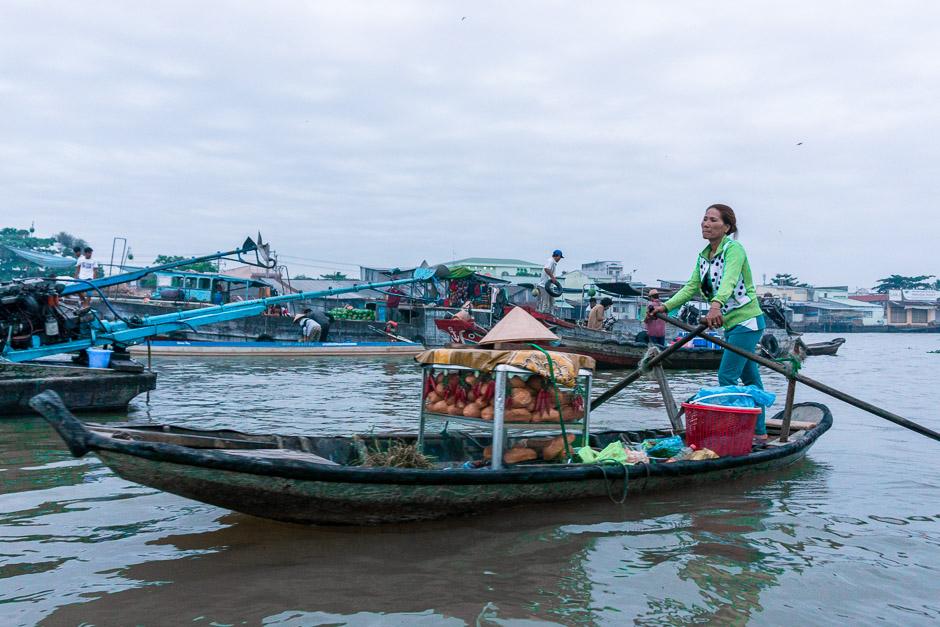 Boot auf den Schwimmenden Märkten