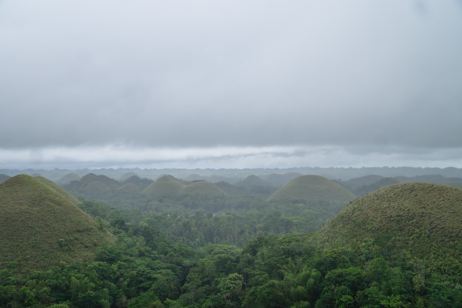 Chocolate Hills im Regen