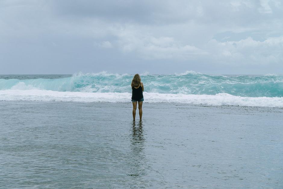 riesige Wellen und Meer