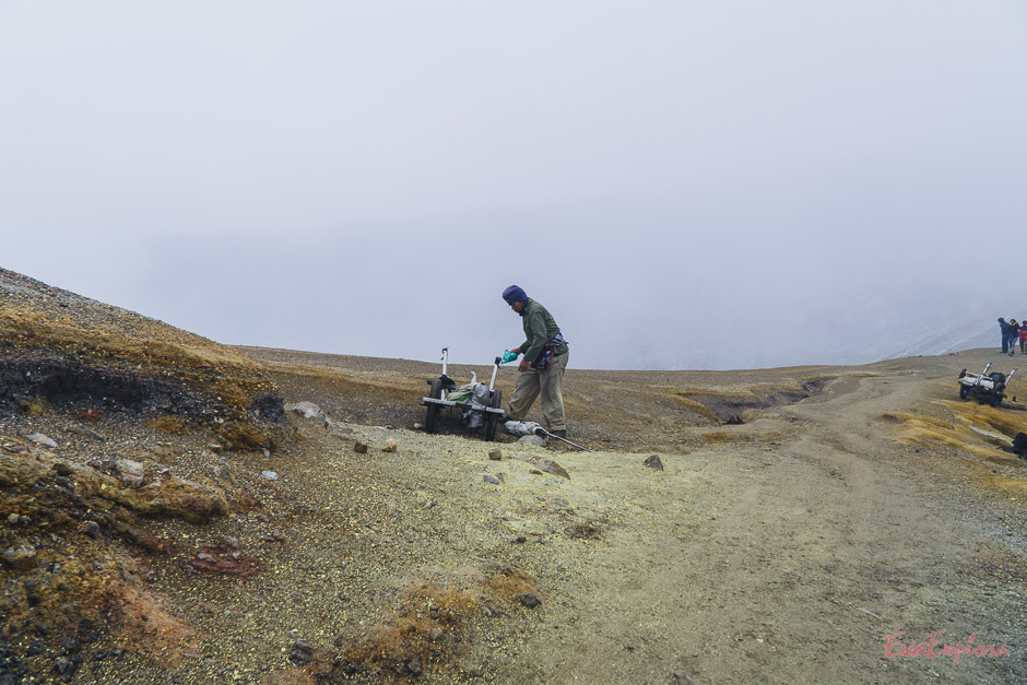 Arbeiter auf dem Mt Ijen