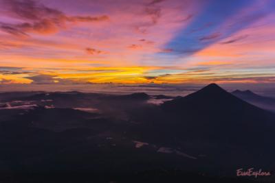 Der Blick ins Tal bei Sonnenaufgang