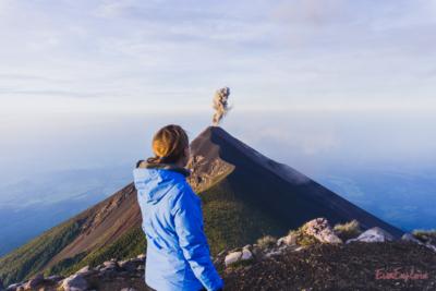 Steffi vor dem Vulkan