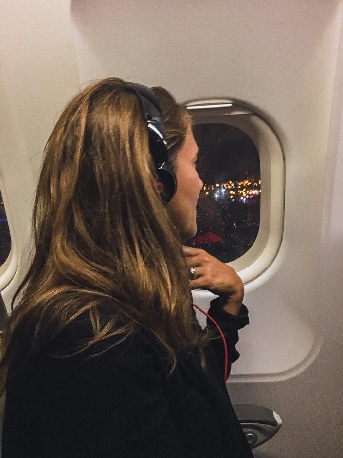 Abflug - Steffi im Flugzeug