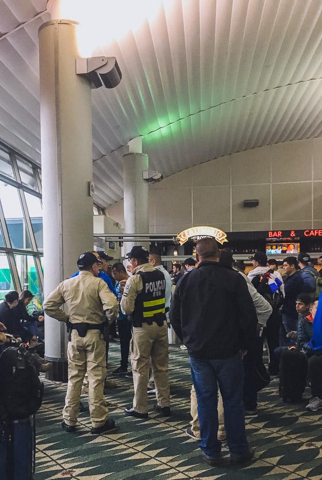 Tumulte am Gate Panama