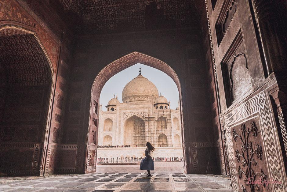 Tanzend vor dem Taj Mahal