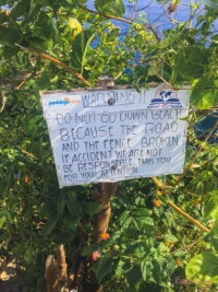 Kelingking Beach Warnung vor Abstieg