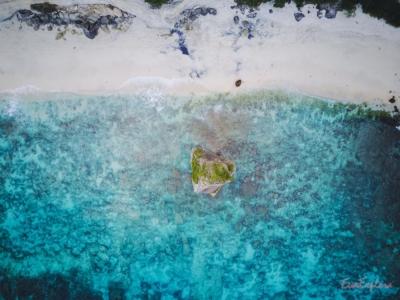 einsamer Strand Nusa Penida