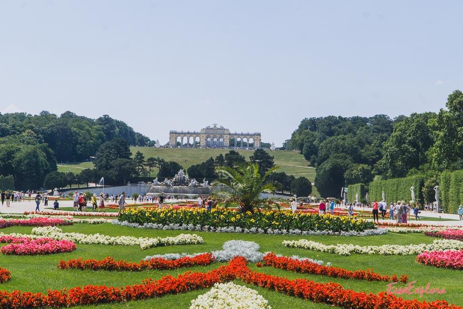 Hofgarten Schloss Schoenbrunn