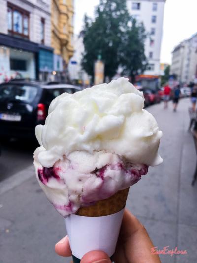 Eis essen in Wien