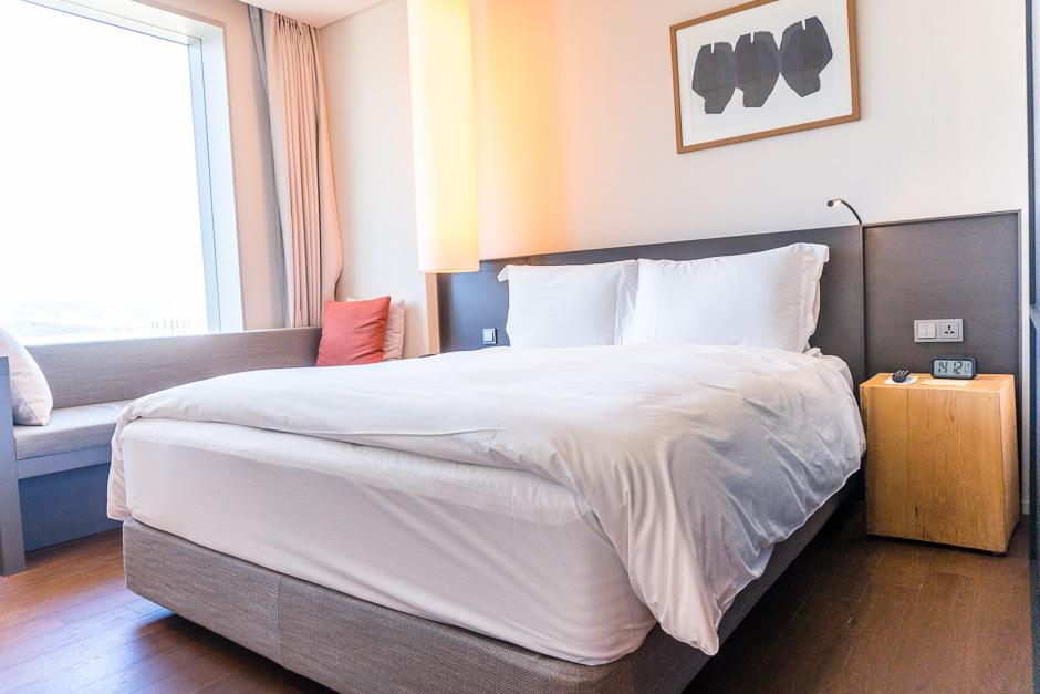 Das große Doppelbett