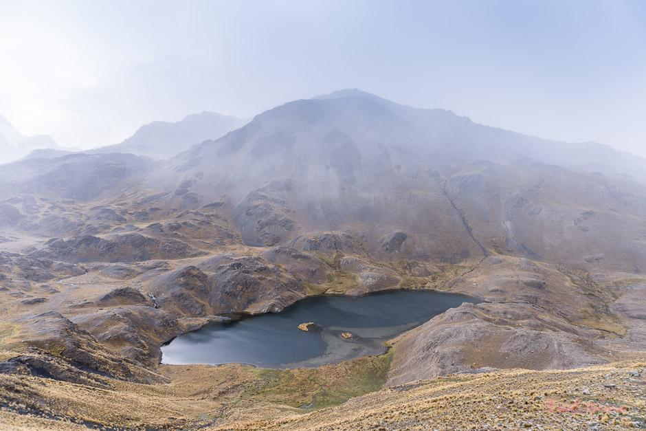 Lagune der Cordillera Real