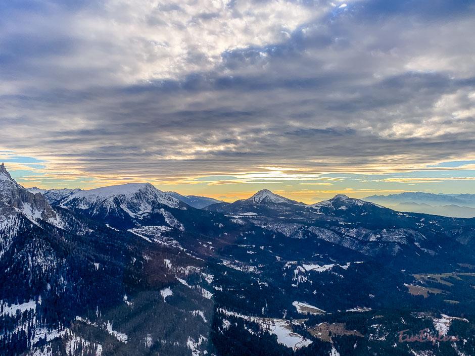 Alpengluehen im Hubschrauber