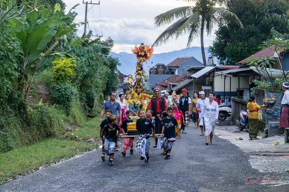 Umzug Neujahrsfest Bali