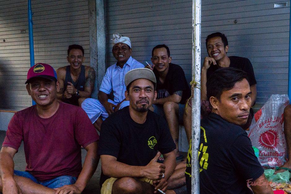 Balinesen am Umzug