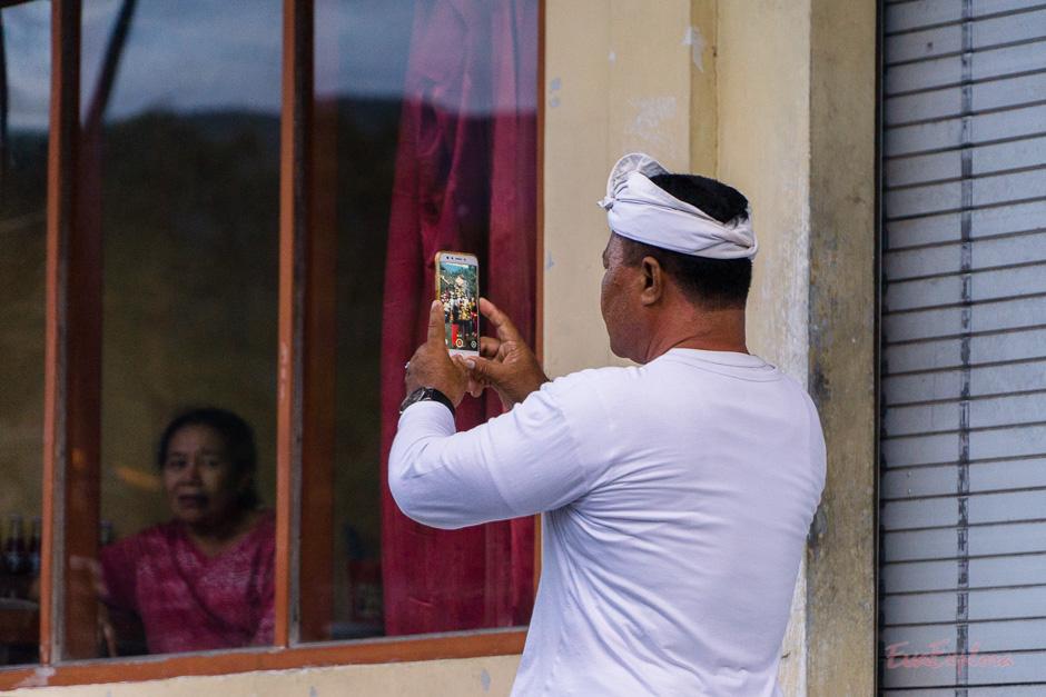 Fotos sind wichtig fuer Balinesen