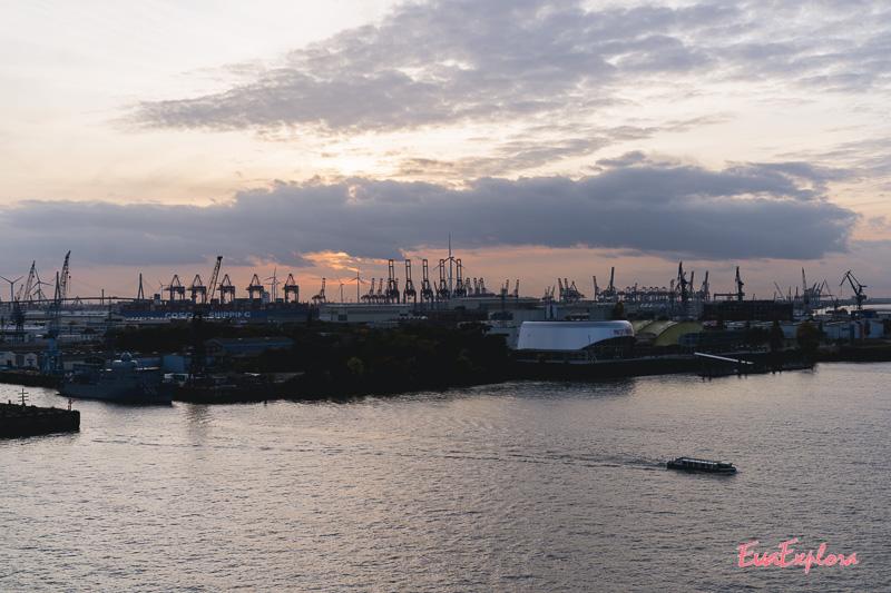 Ausblick über den Hafen