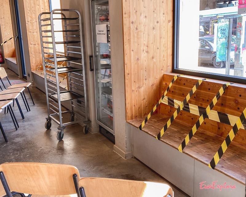 Corona in Cafes