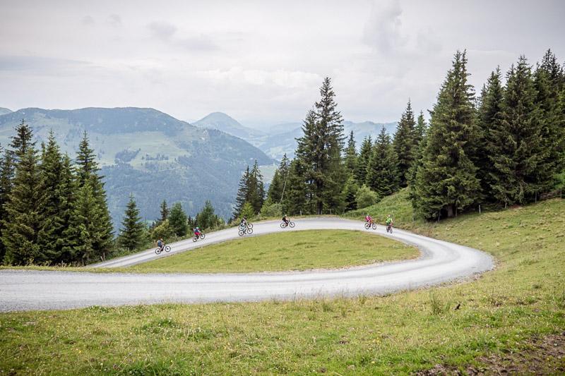 Weg zur Ehrenbachhoehe