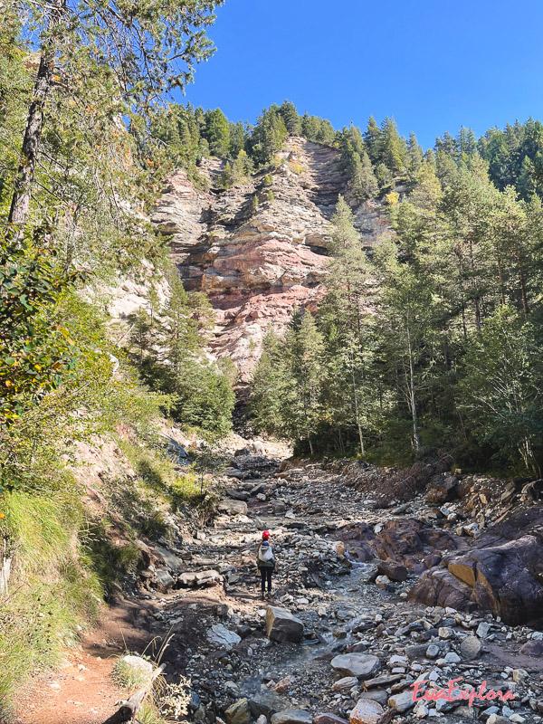 Wandern durch Canyon